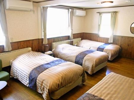 本館3〜4人部屋【正ベット4台】