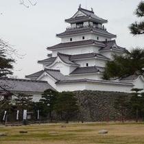赤瓦にリニューアルされた鶴ヶ城