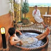 客室露天風呂お部屋でいつでもお好きな時にお入りいただけるお風呂です♪