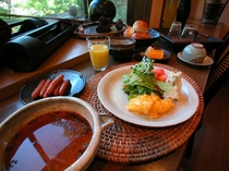 朝食はバイキングスタイルで