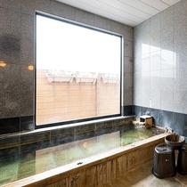 2つあるお風呂は大洗の天然温泉を使用