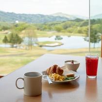 ご朝食の営業時間は季節によって変わります。詳細はお問い合わせくださいませ。