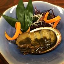 メニュー例/トコブシの肝バター焼き。コクのある肝とバターが絶妙な味!