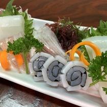 メニュー例/赤いか刺身(期間限定)お刺身は珍しいアカイカ。肉厚な身が柔らかく美味しい♪