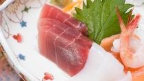 *ご夕食イメージ 四季折々、季節に応じた旬の味をお楽しみください。