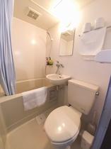 個室のバスルーム