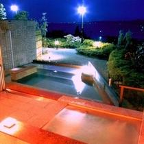一晩中はいれる露天温泉大浴場
