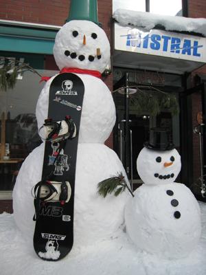 雪だるまがお出迎えの日もあります
