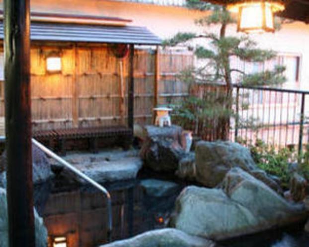 【白根の湯】…露天岩風呂…混浴