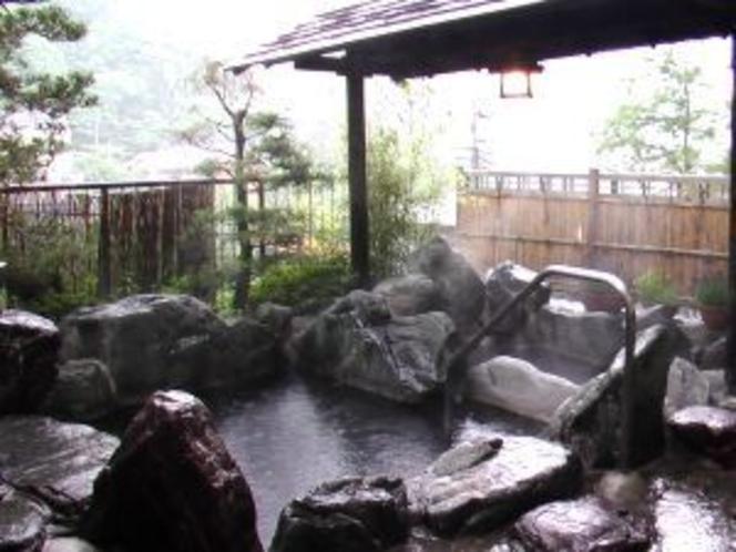 露天風呂 雨の日