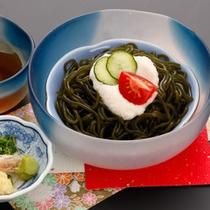 <お食事一例>原城わかめを麺状に加工した南有馬町の特産品『ひょっつる』。つるつるシコシコの食感!