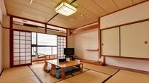 *【和室】心地よい畳の上で、ゆったりとしたひとときをお過ごし下さい。