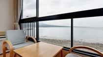 *【和室】客室からは美しい有明海が一望できます。