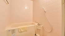 *【和室】全室バス・トイレが設置されています。