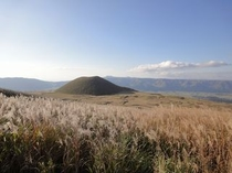 阿蘇登山道の景色(秋)米塚