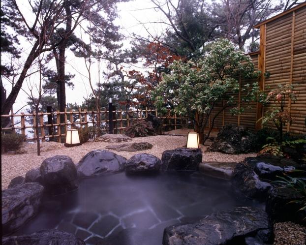 横山大観 特別室 露天風呂