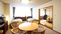 和洋室/洋室にはツインベッド、和室にはお布団敷でお休み頂けます