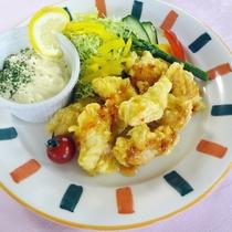 *【選べる夕食メイン】鶏ささみ肉の衣揚げタルタルソース添え