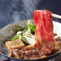 肉の旨味が溶け込んだ割下で食べる野菜も美味♪