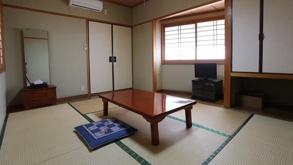 和室6畳(バストイレ共同)