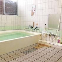 【大浴場】男女各1か所完備≪24時間入浴OK!≫◎浴場のお湯は温泉ではございません。