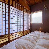 8畳セミダブルベッド付客室
