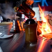 【流氷フェス】冬空の下で飲むコーヒーは格別。身体の芯から温まり、美味しさもひと味違うものに。
