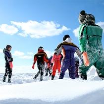 【流氷ウォーク】流氷ウォークは景色だけじゃない!ザックザク雪の音を聞きながら歩く道は楽しさ倍増♪