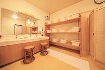 女性大浴場 更衣室