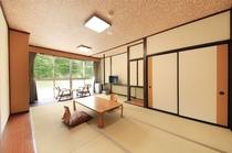 2階リニューアル部屋(黄) 室内1