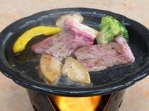 国産牛とフォアグラの陶板焼き