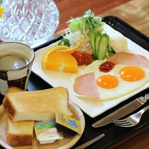 【洋朝食】橘湾を眺めながらゆっくりと朝食をお召し上がりください。