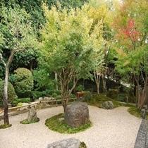 ■館内/日本庭園