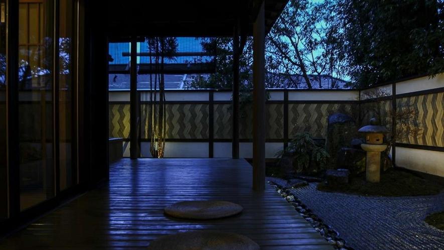 離れ|神呂木の庄「月詠・万葉」/庭