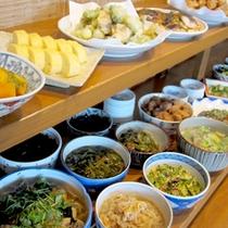 *【ぎゃあてい】当館姉妹店。京都ならではのおばんざいバイキングのカフェです。