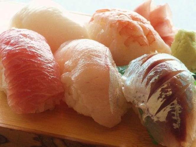 寿司の町 館山ならでは 夕食にはお寿司も!