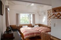 寝室(デラックスルーム)