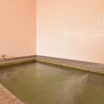 *お風呂/温泉ではございませんが、温かい湯船に浸かり、旅の疲れを解しましょう。