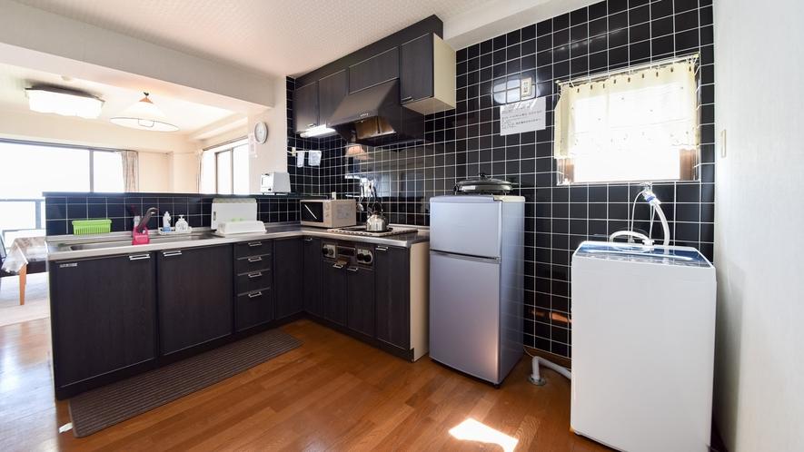 *客室一例/本館客室2LDK キッチンの隣には洗濯機も御座います。