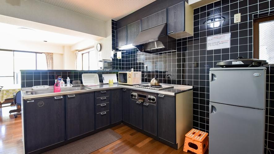*客室一例/本館おまかせ客室・ペット可 広々としたキッチン。