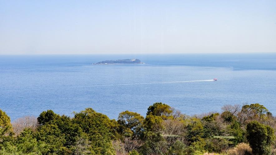 *客室からの景色/本館客室2LDK お天気が良ければ初島が見えることも。