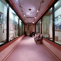 先代が長年に渡り収集した日本美術のコレクションを楽しめる美術ギャラリーをご用意しております。