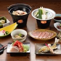 夕食の一例 季節ごと旬の味覚を存分に取り入れた、彩り豊かな上州和食膳をご用意いたします。