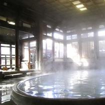 ◇【桃山風呂】 朝日が差し込む