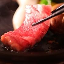 ◇りんごで育った信州牛サーロインステーキ・熱々の陶板でじゅわ…と焼いて