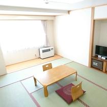 和室10畳■利尻富士や鴛泊フェリーターミナル、朝日もご覧いただけます