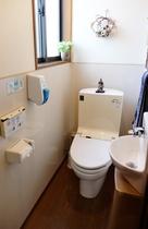 ウォシュレット完備のお手洗いは2階に2箇所♪