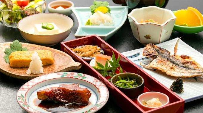 【選べるメイン料理◆1品選択】<鮑/牛ステーキ/伊勢海老/刺盛増量>から1品選択≪金目煮付朝食≫
