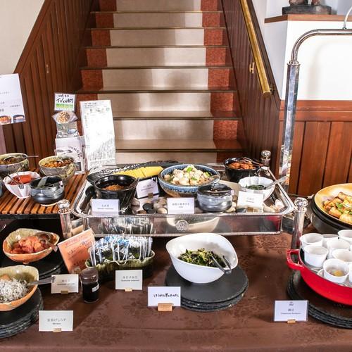 朝食バイキング:和洋折衷のバイキング形式でお召し上がりください。