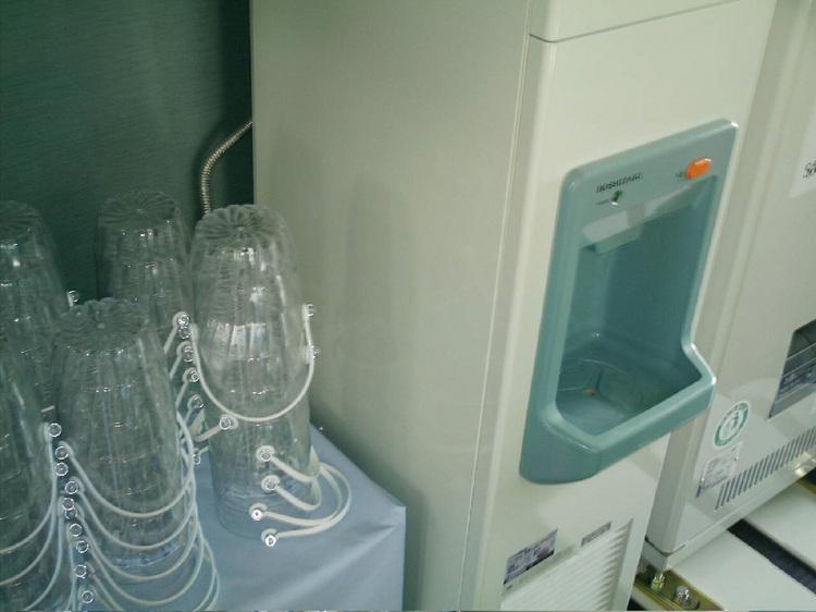 製氷機(4F自動販売機コーナー)